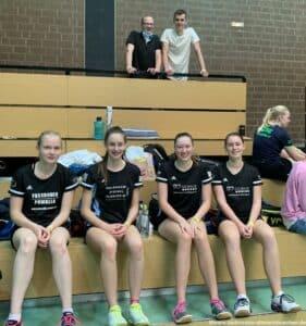 2021-09-11_12-dbv-b-rlt-u17-u19-nienburg-badminton-hannover_23_kl