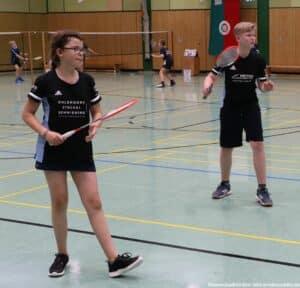 2021-10-02-landesmeisterschaft-u11-u15-badminton-hannover-training_19_kl