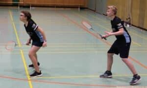 2021-10-03-landesmeisterschaft-u11-u15-badminton-hannover-training_02_kl
