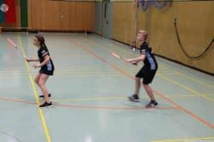 2021-10-03-landesmeisterschaft-u11-u15-badminton-hannover-training_03_kl