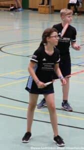 2021-10-03-landesmeisterschaft-u11-u15-badminton-hannover-training_04_kl