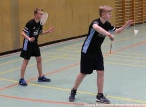 2021-10-03-landesmeisterschaft-u11-u15-badminton-hannover-training_07_kl